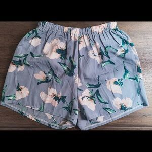 Floral High Waisted Shorts 🌼